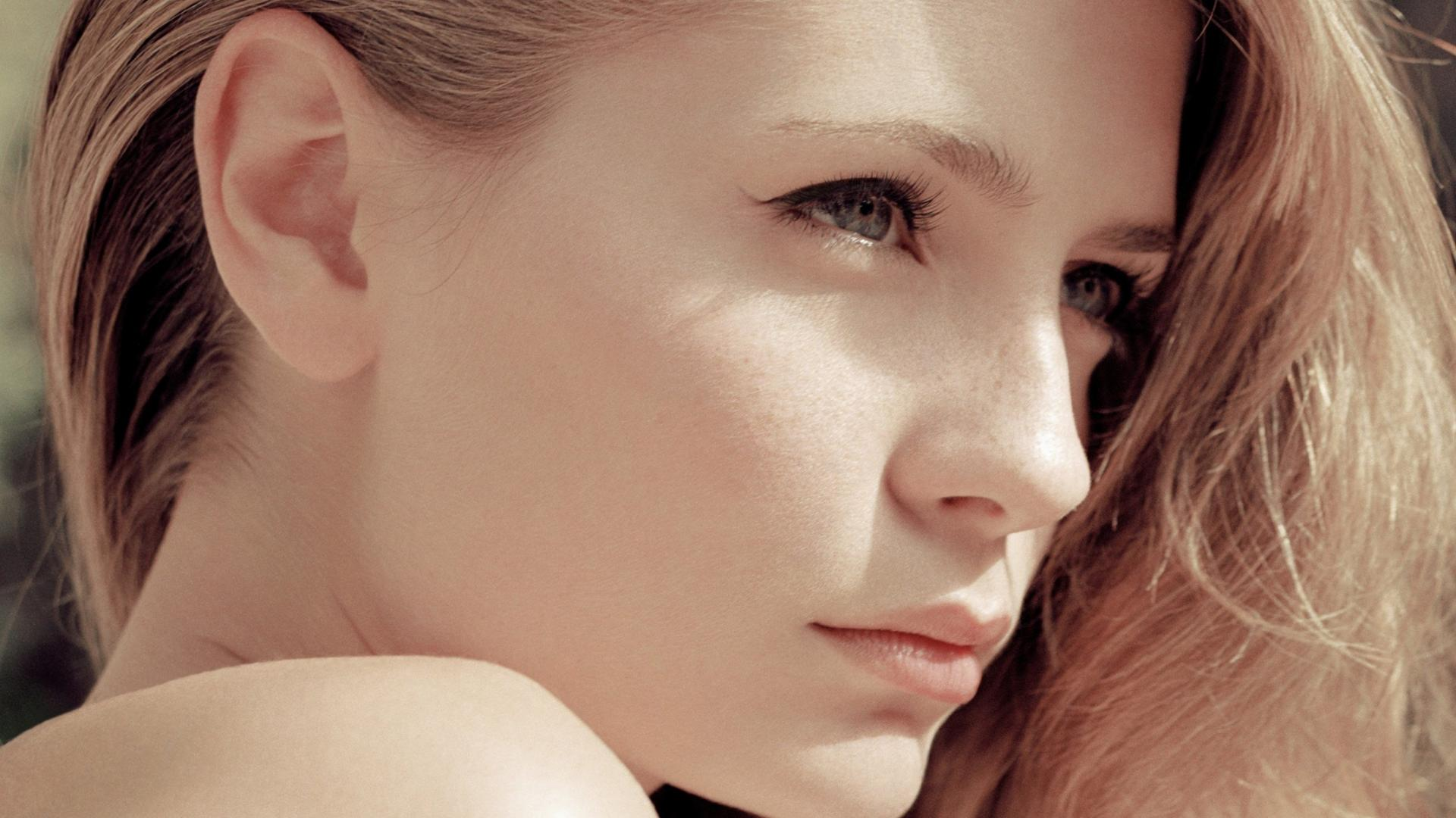 1920x1080_face-of-beautiful-woman-mischa-barton-HD-Wallpaper