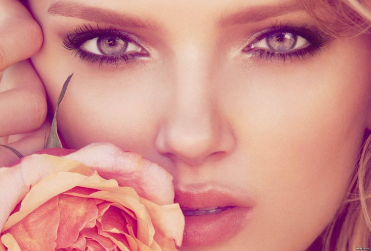 women flowers models roses lily donaldson faces 3250x2200 wallpaper_www.wallpaperfo.com_63